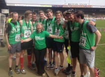 All 8 Newmans (and their cousin Chris) completed the half marathon on Sunday 4th May, we all had a great time. At the last count they had raised £3,000 for Macmillan.